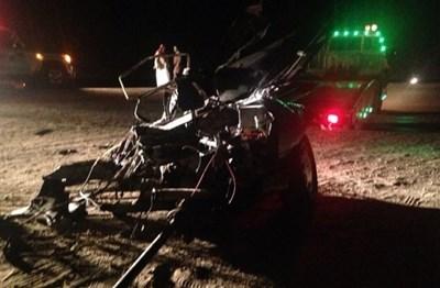 بالصور انشطار مركبة كويتية بـ الخفجي وعناية الله تنقذ ركابها