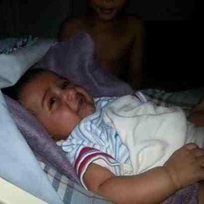 صور جني مبتسم بجوار طفل رضيع فى محافظة أبو عريش جازان