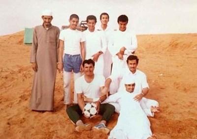شاهد سعوديون يصورون أنفسهم بنفس الوضعية بعد 30 سنة