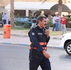180 رجل اطفاء أخمدوا حريق مبنى قيد الإنشاء في شرق