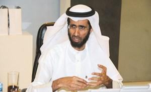 مدير إدارة التوثيقات الشرعية في المحكمة الشرعية علي عبدالرحمن الحسينان يرد على أسئلة قراء الأنباء(هاني الشمري)