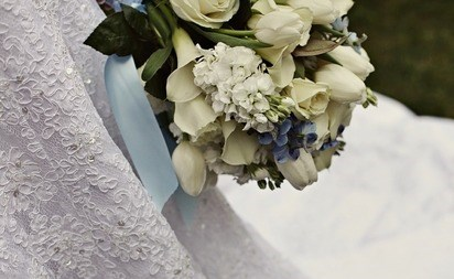 بالصور.. أصرت حضور زفاف زوجها 781885-4.jpg?crop=(0,0,412,253)&cropxunits=450&cropyunits=253&height=233