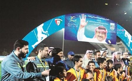 أبطال القادسية مع كأس البطولة