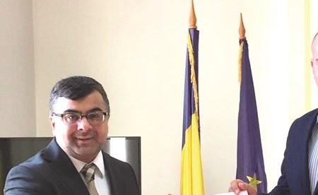 الهاجري بحث التعاون مع وكالة الأنباء الرومانية