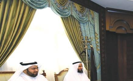 وزير الدفاع التقى أسر الفقيد الطالب الضابط العبيد والفقيد الطالب الضابط العازمي والشهيد العنزي