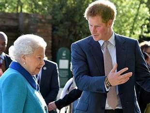 ملكة بريطانيا تعين الأمير هاري سفيراً لشبان الكومنولث