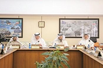 «الداخلية والدفاع»: معاملة العسكريين الخليجيين في «الشرطة» معاملة الكويتيين