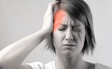 بالفيديو.. ماذا يحدث عندما تصاب بالصداع النصفي؟
