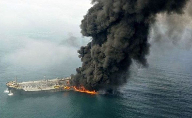 American aircraft spotted Iranian boats near the oil tankers