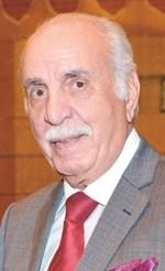 وزير الإعلام الأسبق محمد السنعوسي
