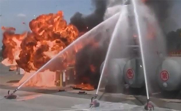 بالفيديو.. روبوت يقاوم الانفجارات ويخمد الحرائق