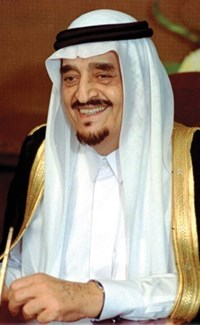 The Speaker of the Parliament receives the Kuwaiti Ambassador 985327-5