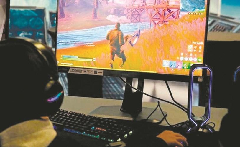 استدراج طفل بلعبة إلكترونية والاعتداء عليه