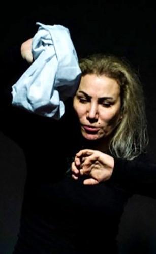 ريم ونوس أبهرت جمهور «قرطاج الدولي للمونودراما» بأدائها