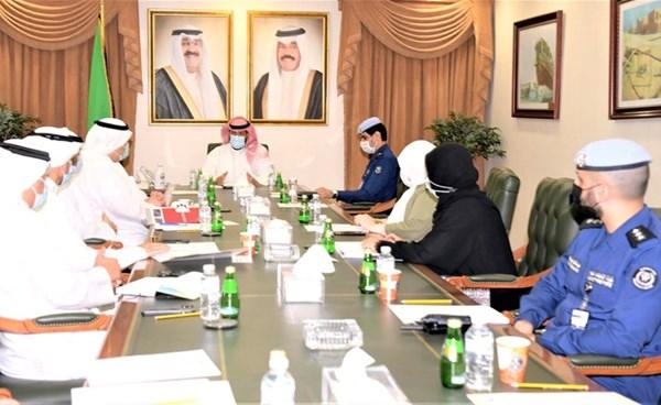محافظ العاصمة الشيخ طلال الخالد مترئسا الاجتماع التنسيقي الثامن